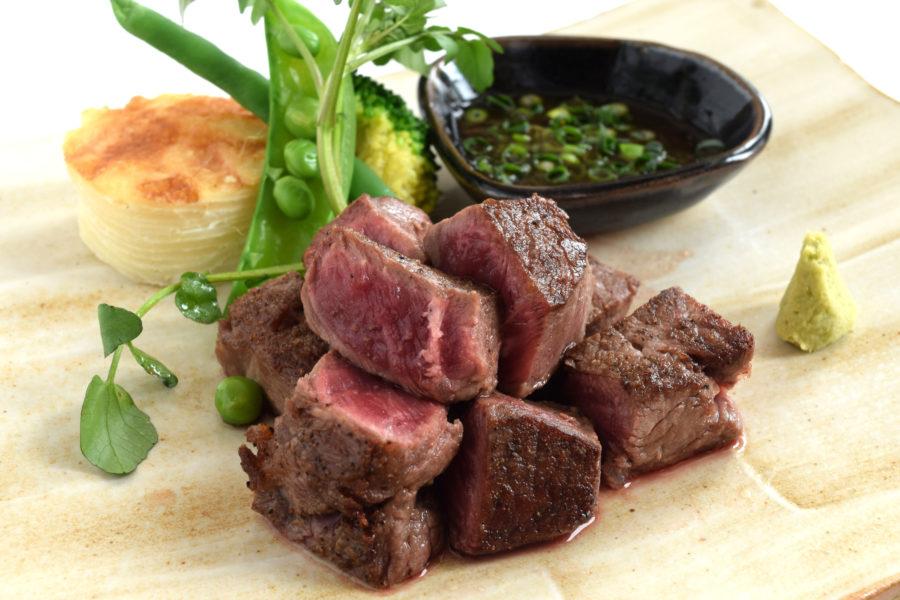 牛肉の上ミスジ 角切りステーキ